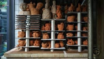 가마에서 구워져 나온 얼굴토분들과 잭오랜턴의 썸네일 사진